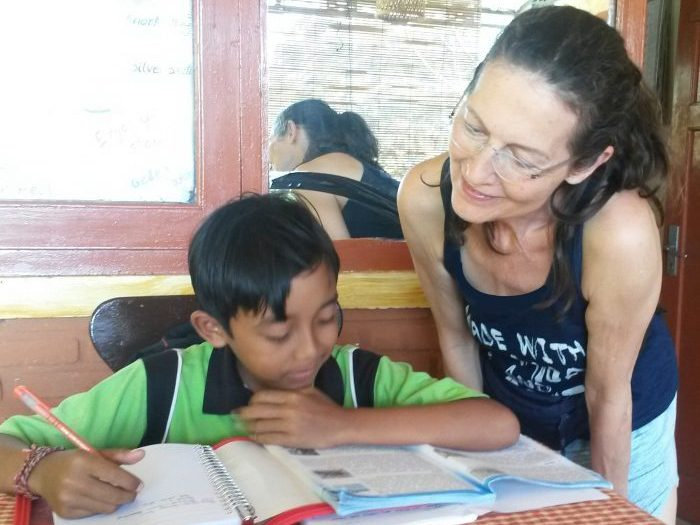 Schulbesuch-auf-Bali